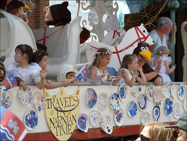 The John Rankin Schools' float – Travels in Narnian Time (joint Best Schools Entry and Best Overall Entry prize winner)